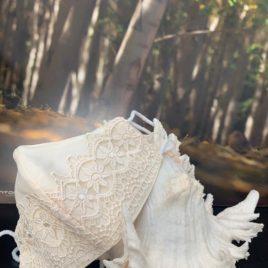 Mascarilla bordada para novia y comunión niña modelo 1