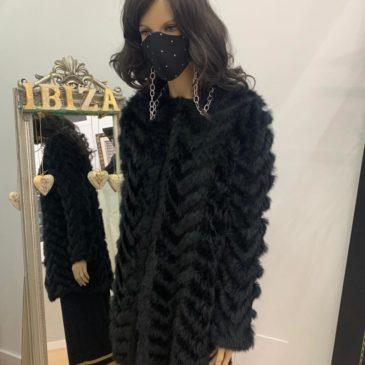 Abrigo largo de piel de conejo trenzado sin forro