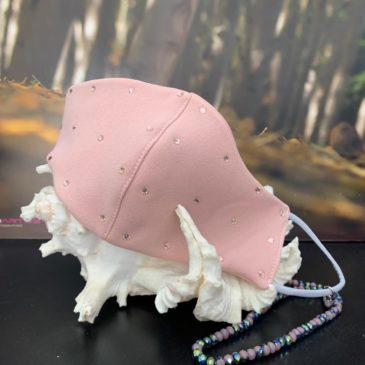 Mascarilla rosa con cristales de Swarovski