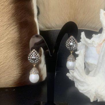Pendientes perla de metal