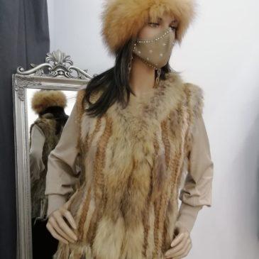 Chaleco de piel de conejo y cuello de marmota en varios colores