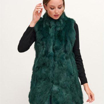 Chaleco en piel de conejo de colores verde o gris