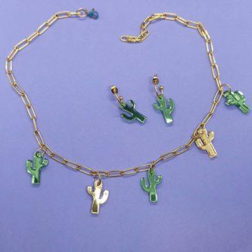 Conjunto de collar y pendientes de cactus